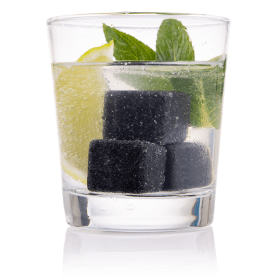 Bartender reusable Gin Stones - a set of 6 in a black velvet bag - photo of glass with stones